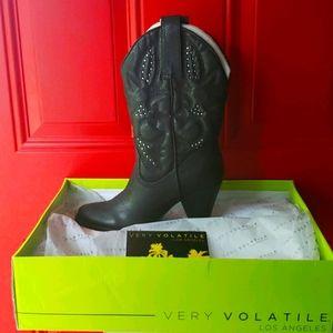 ☆NWT☆ Volatile Gritstone Heeled Boot